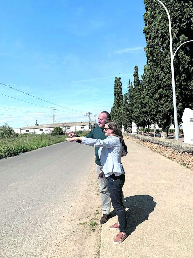 Chulià e bor visitando la zona limítrofe.