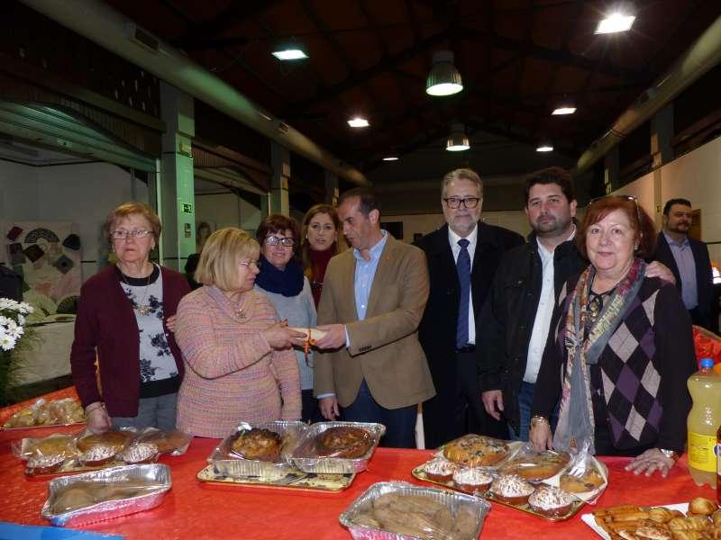 Durante el acto de inauguración de la Feria Comercial y de Artesanía de Albal.