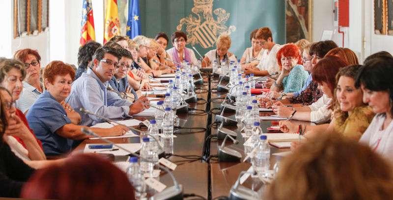 Reunió en Diputació, presidida pel president Jorge Rodríguez
