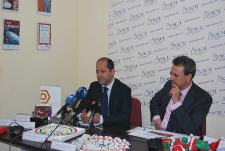 Representantes de AIMME y AVACU durante la explicación de los resultados analizados tras el estudio. EPDA