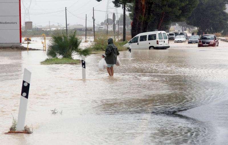 Una imagen de las inundaciones que han afectado a Orihuela y al resto de la comarca de la Vega Baja. EFE
