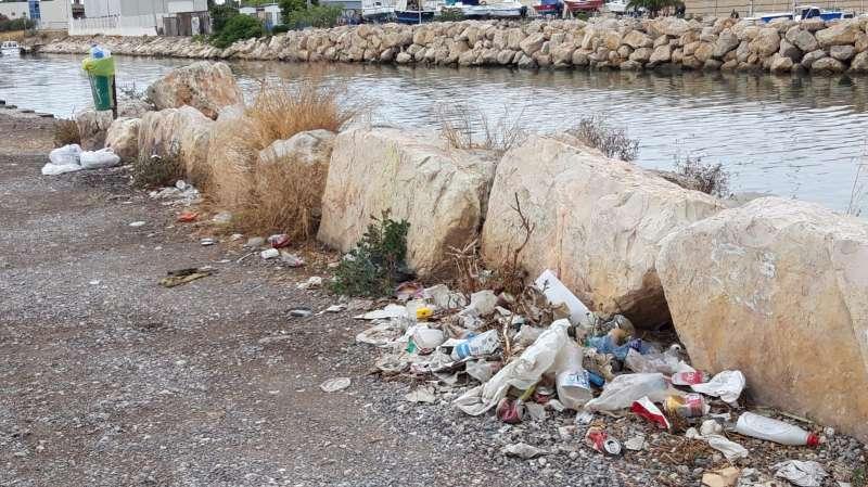 Ciudadanos deunció los malos olores de los alrededores de Pinedo -EPDA