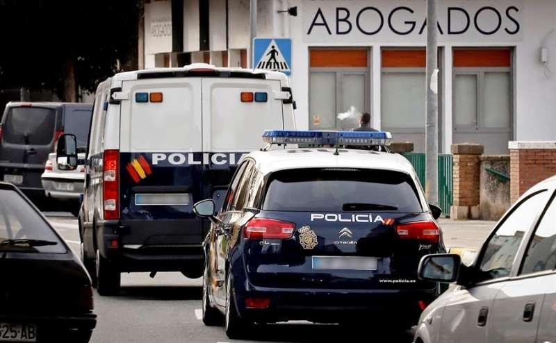 Vehículos policiales. EFE