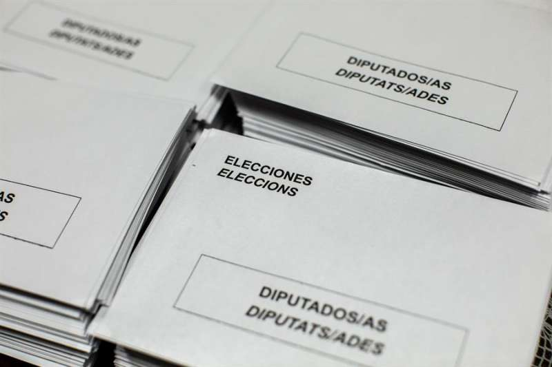 El cien por cien de las 6.043 mesas electorales en la Comunitat Valenciana han comunicado su constitución en una jornada electoral que ha comenzado sin incidencias destacables. EFE/ Biel Aliño