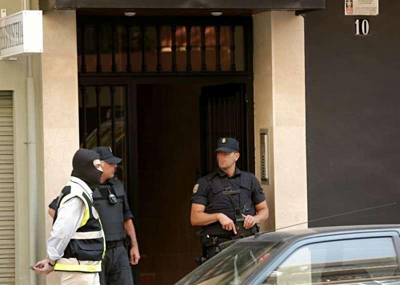 Agentes de la policía/EPDA