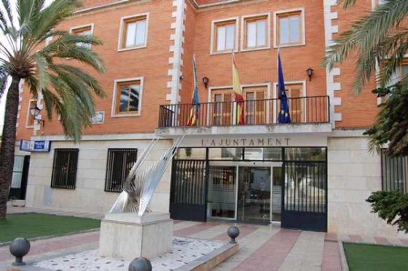 Fachada del ayuntamiento de El Puig. EPDA