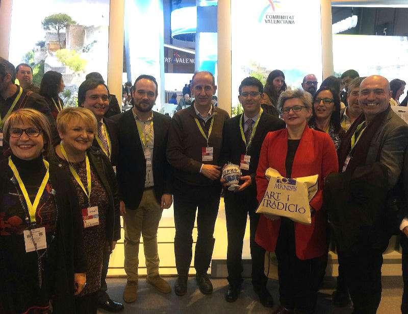 Alcalde de Manises y concejales con el presidente de la Diputación y diputada Conxa García en FITUR. EPDA