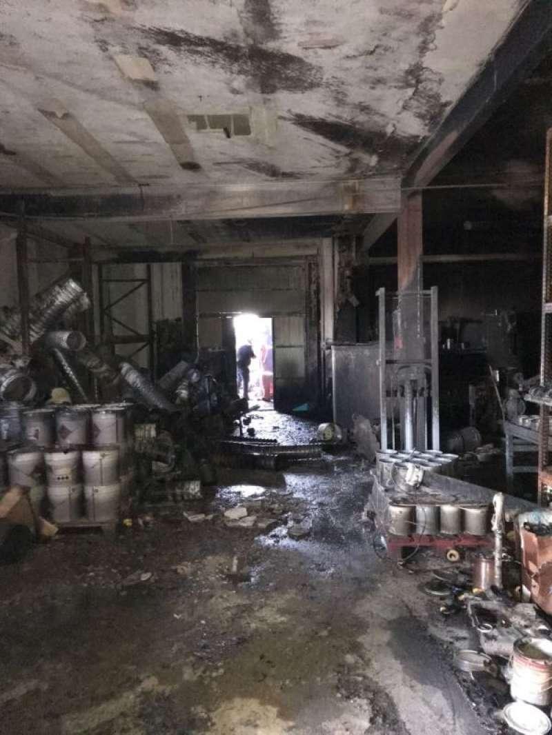 Estado de la fábrica incendiada en Massamagrell. EPDA