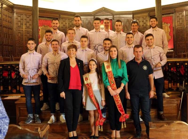 Comisión con las reinas, concejal y alcaldesa