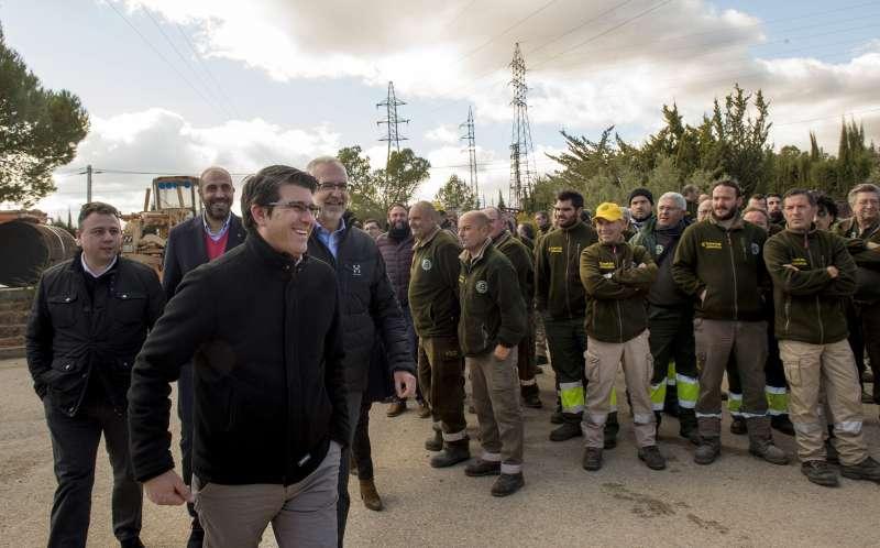 Rodriguez con brigadas forestales de Divalterra