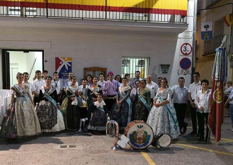 El pregón fue leído en distintos puntos de la población. Foto: L. Rosalén