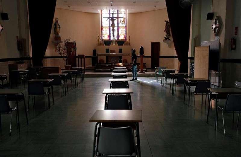 Imagen de archivo del colegio concertado Pio XII de Valéncia. EFE