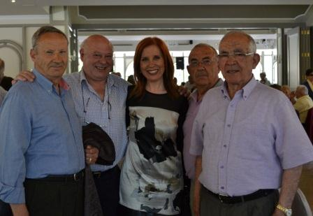 La alcaldesa de Aldaia, Carmen Jávega, junto con el Concejal de Bienestar Social, Jose Luis Montesinos y el Concejal de Medio Ambiente, Jose Fontana quisieron participar en esta jornada. FOTO: EPDA.