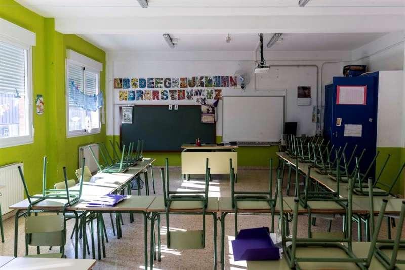 Un aula vacía de un colegio en una imagen de archivo.EFE/Marcial Guillén