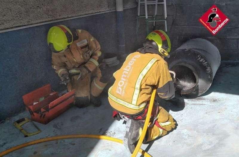 Momento de la intervención de los bomberos, en una imagen del Consorcio Provincial.