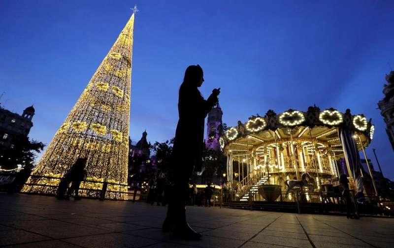Iluminación navideña en València. EPDA
