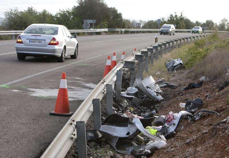 Restos de un accidente de tráfico. EFE/Archivo