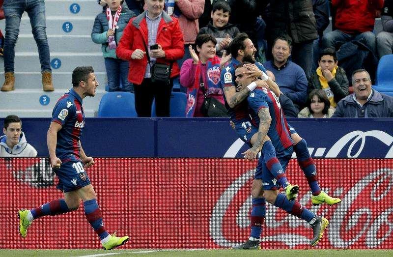 Celebrando uno de los goles. EFE