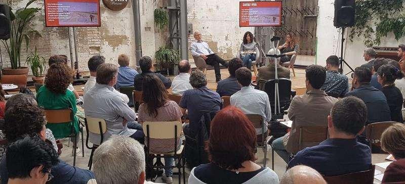 El acto de Joan Ribó hoy en la Fábrica de Hielo, en una imagen de Compromís.