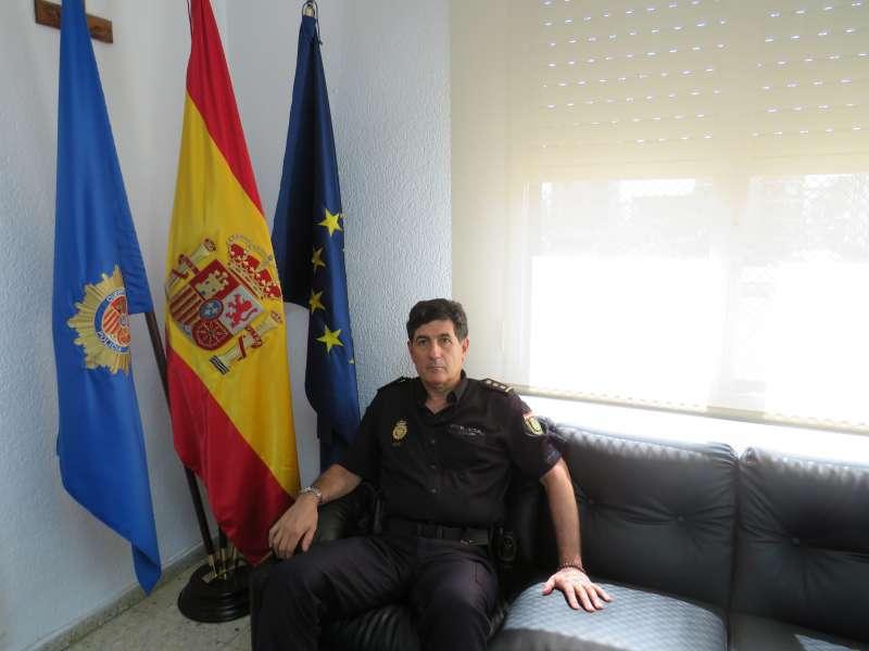 El Jefe de la Comisaría Policía Nacional de Puerto de Sagunto, Carlos Peris.