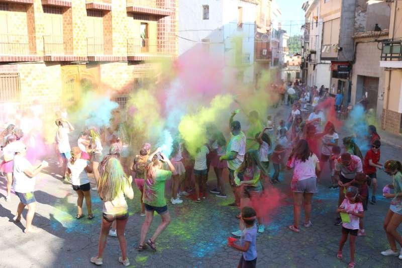 Carreras de colores en las fiestas de Torás