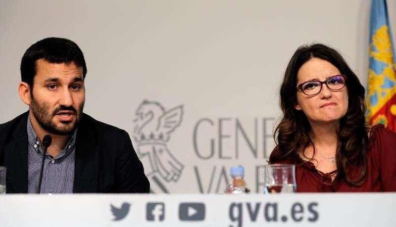 La vicepresidenta y portavoz de la Generalitat, Mónica Oltra, y el conseller de Educación, Vicent Marzà. EFE/ Juan Carlos Cárdenas/Archivo