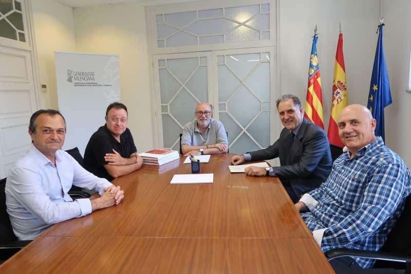 Reunió de signatura del conveni. EPDA