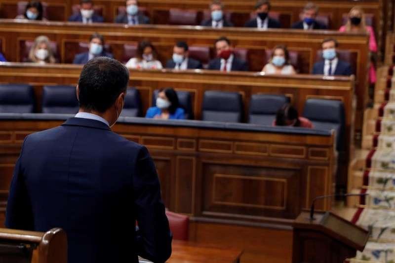 El presidente del Gobierno, Pedro Sánchez durante la sesión de control al Gobierno en el Congreso este miércoles. EFE/J.J. Guillén