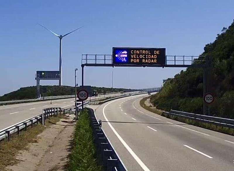 Imagen de un panel de tráfico facilitada por la Universitat. EFE