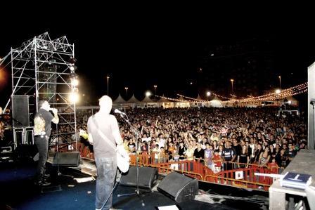 La banda que lidera el carismático José Manuel Casañ subió al escenario con ganas de darlo de todo desde el primer momento. Foto: EPDA.