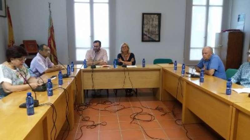 Sampedro preside el último pleno como alcaldesa de Rocafort. EPDA