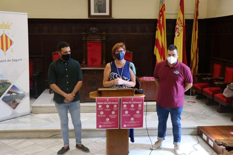Asun Moll, concejala de Fiestas y Cultura Popular, anuncia las modificaciones. / EPDA