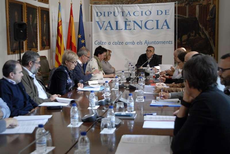 Reunión de la Corporación que preside Jorge Rodríguez.