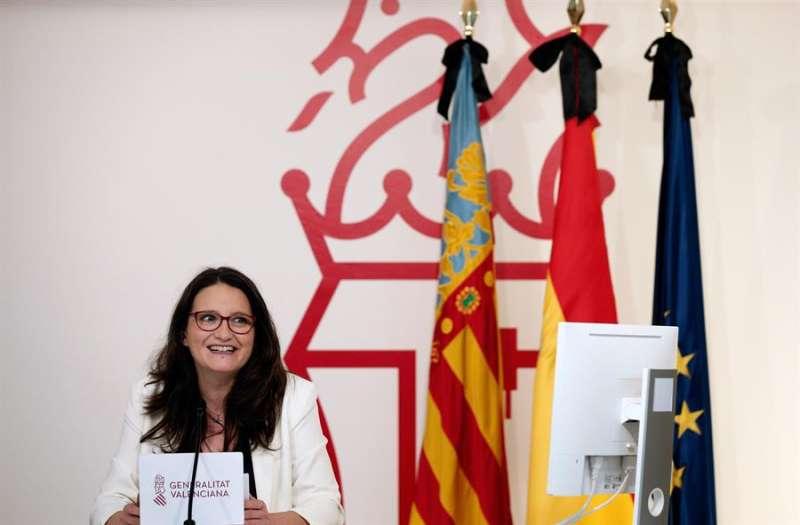 Mónica Oltra al inicio de una rueda de prensa tras el Pleno del Consell .EFE/Manuel Bruque/Archivo