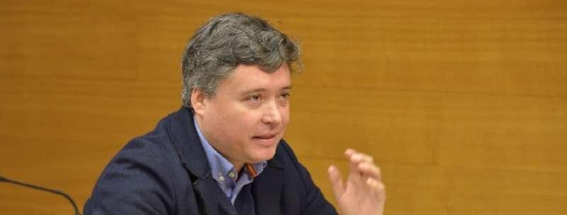 Luis Santamaría.