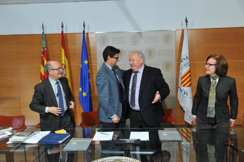 Firma del convenio entre el Ayuntamiento de Riba-roja y la UPV