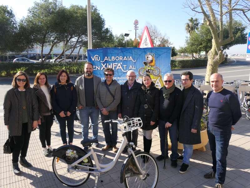 Photocall de servicio de movilidad en bicicleta del servicio Xufabike-. -EPDA