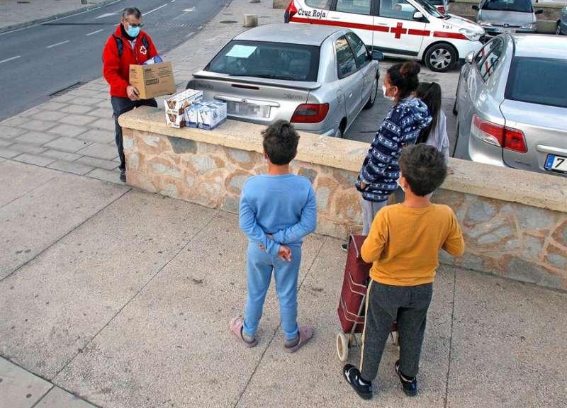 El número de familias de la provincia de Alicante que reciben