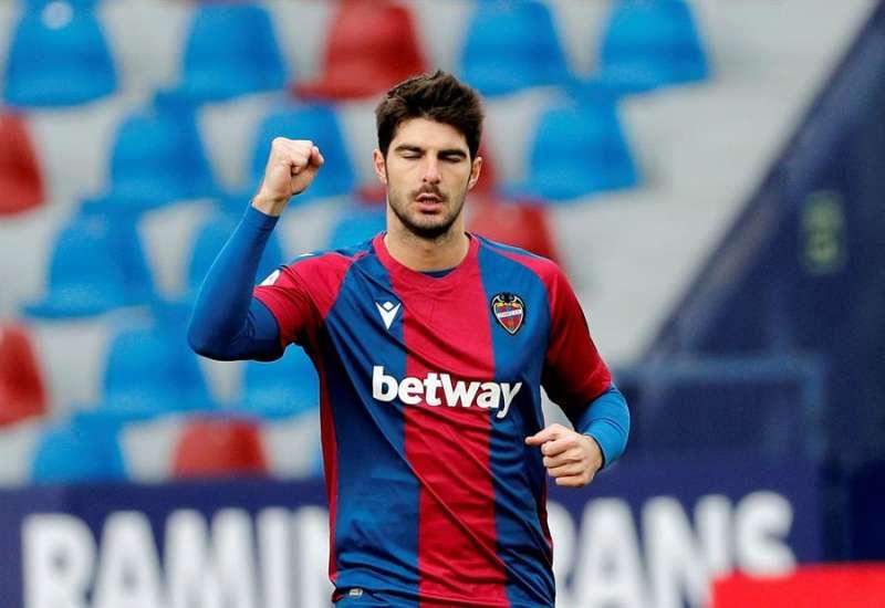 El jugador del Levante Melero celebra el gol conseguido ante la SD Eibar. EFE
