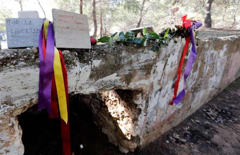 Lugar en el que fueron fusilados centenares de represaliados junto al cementerio de Paterna (Valencia). EFE/Juan Carlos Cárdenas