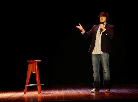 Luis Piedrahita ofreciendo un monologo. Foto: EPDA.