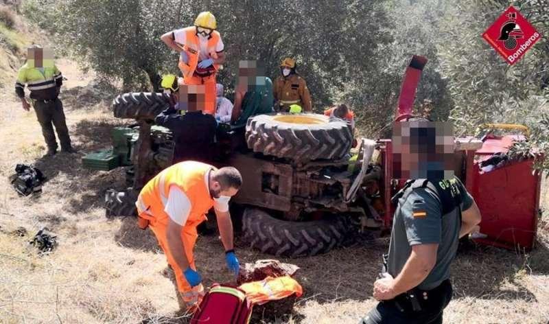 Una imagen del accidente, facilitada por el Consorcio Provincial de Bomberos de Alicante. EFE