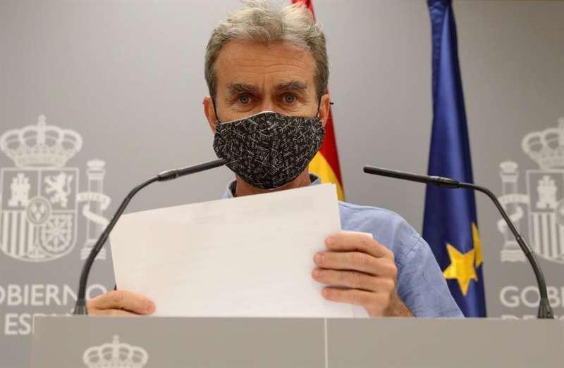 El director del Centro de Coordinación de Alertas y Emergencias Sanitarias, Fernando Simón, comparece en rueda de prensa para dar cuenta de los últimos datos de la pandemia de coronavirus en España. EFE