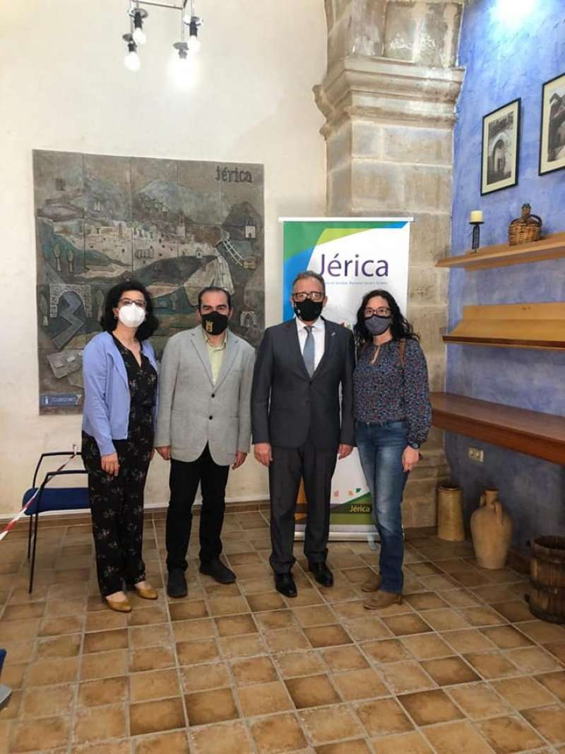 Martí con representantes municipales