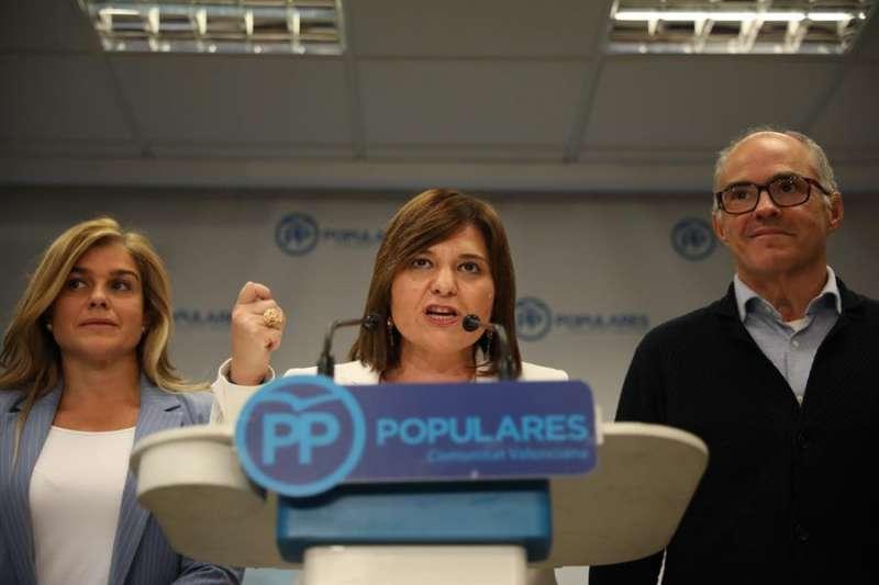 La presidenta del PPCV, Isabel Bonig, valora los resultados tras la jornada electoral del 10N. EFE/ Ana Escobar