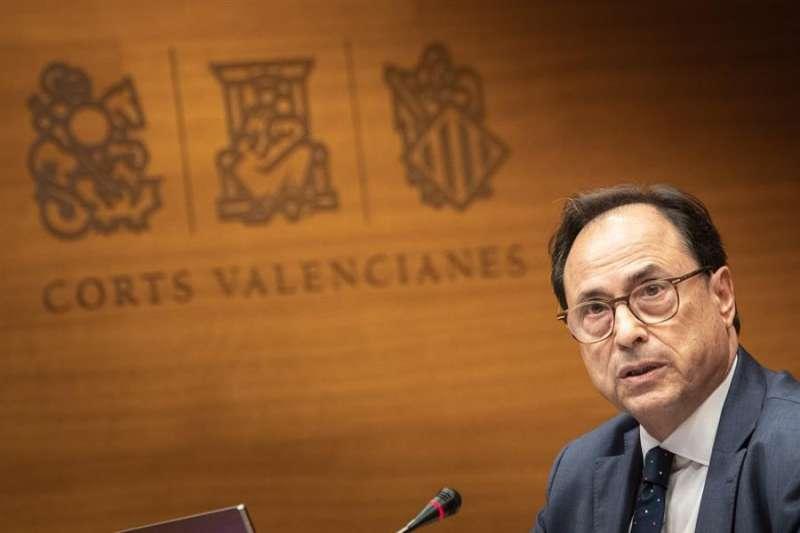 Vicent Soler, informa en Les Corts del Plan de ajuste que la Generalitat ha remitido al Ministerio de Hacienda. EFE/Biel Aliño