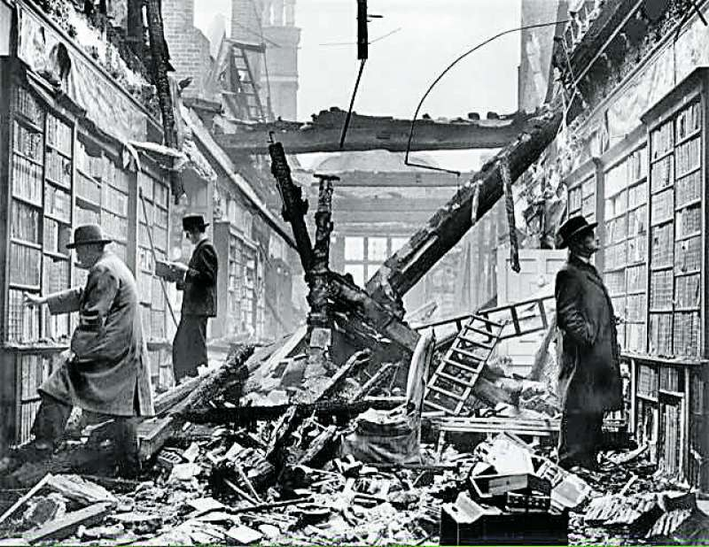 fb1955d4e La biblioteca y la ciudad en Fallas