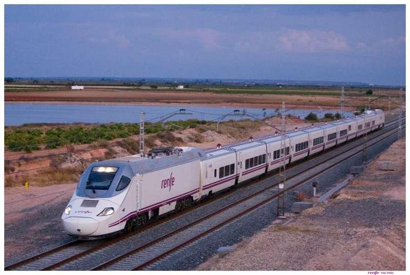 Fotografía facilitada por Renfe del nuevo servicio Euromed. EFE/Renfe