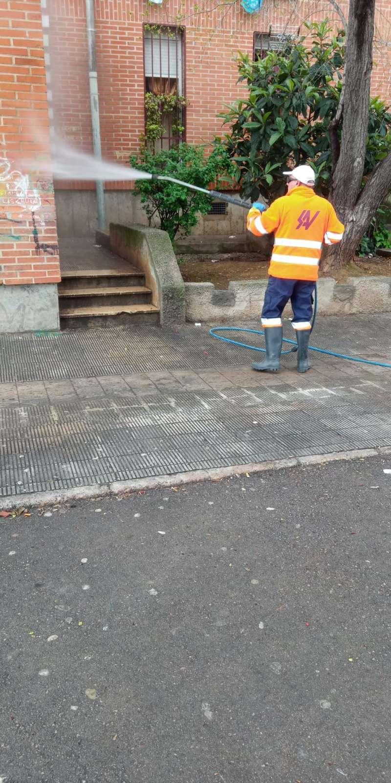 Labores de limpieza en Riba-roja. EPDA