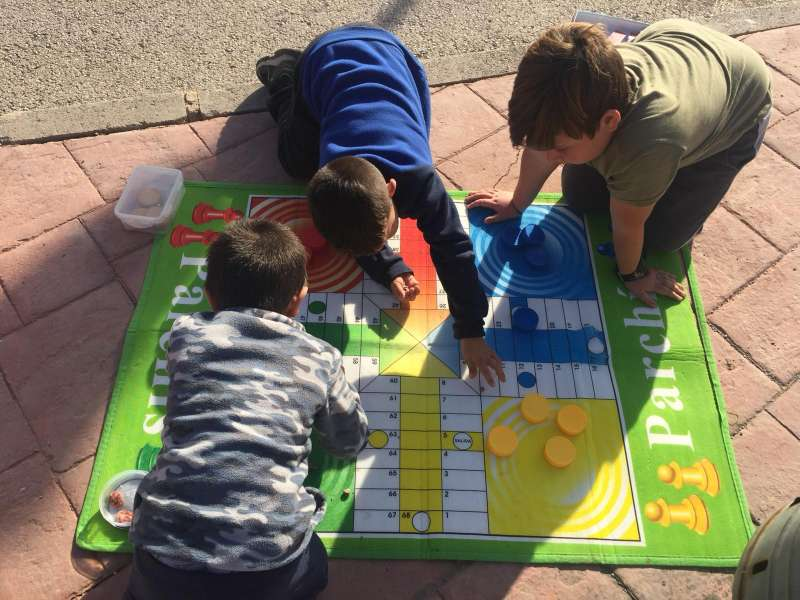 Jocs infantils al CEIP Emilio Lluch de Nàquera